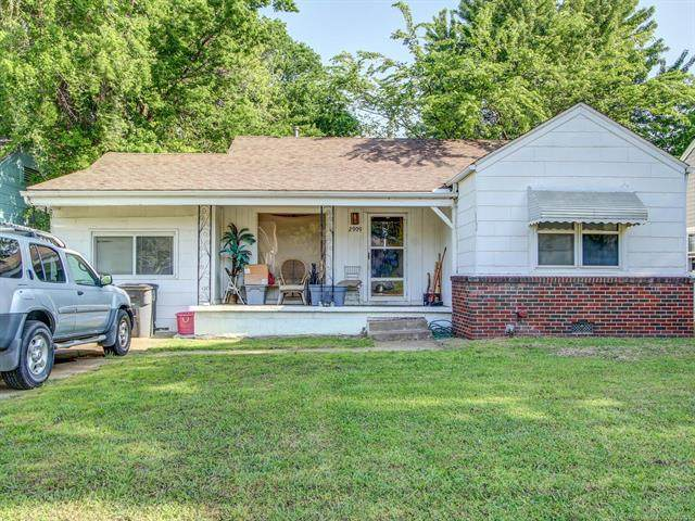 2909 E 1st Street, Tulsa, OK 74104 (MLS #2112846) :: 918HomeTeam - KW Realty Preferred