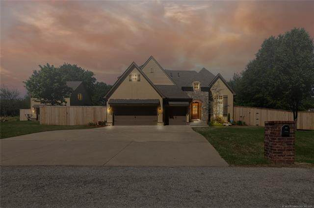 11130 S 109th East Avenue, Bixby, OK 74008 (#2112971) :: Homes By Lainie Real Estate Group