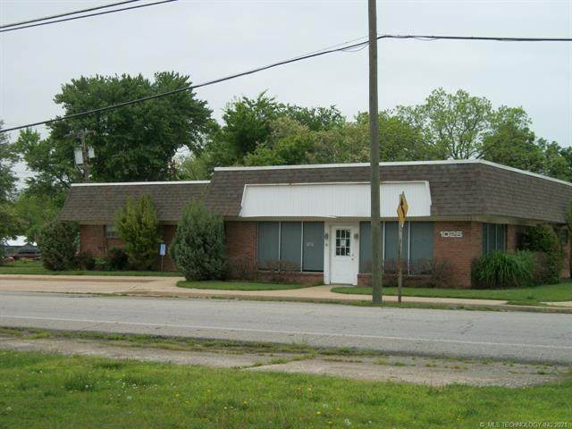 1025 1st Street, Pryor, OK 74361 (MLS #2113217) :: Active Real Estate