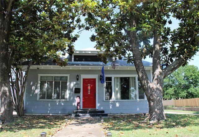 301 C Street SW, Ardmore, OK 73401 (MLS #2116671) :: 918HomeTeam - KW Realty Preferred
