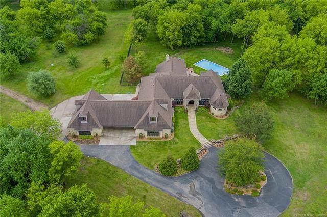 3061 Rice Creek Road, Bartlesville, OK 74006 (MLS #2116911) :: 580 Realty