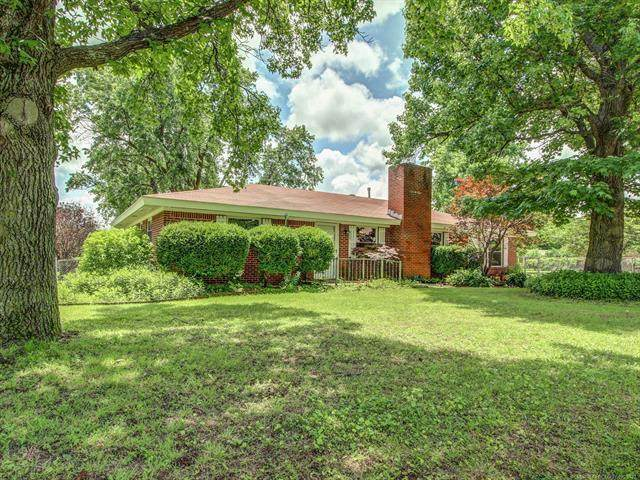 400 W 47th Street S, Sand Springs, OK 74063 (MLS #2117284) :: Hopper Group at RE/MAX Results