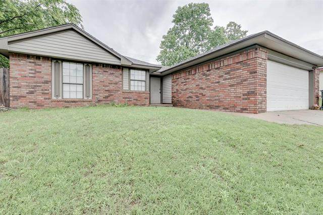 8914 N 119th East Avenue, Owasso, OK 74055 (MLS #2117618) :: Hopper Group at RE/MAX Results