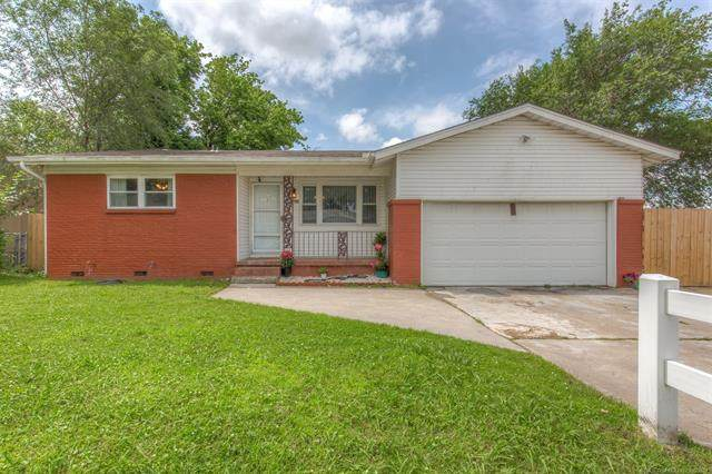 10104 E 21st Place, Tulsa, OK 74129 (MLS #2117858) :: 918HomeTeam - KW Realty Preferred