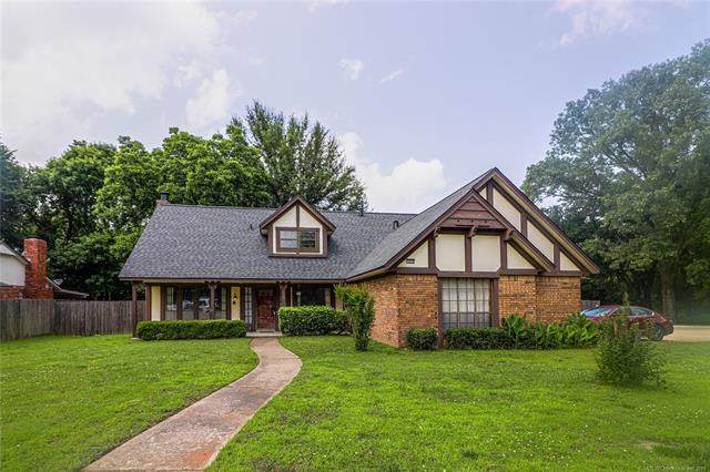 1900 W Pittsburg Court, Broken Arrow, OK 74012 (MLS #2117997) :: Hopper Group at RE/MAX Results