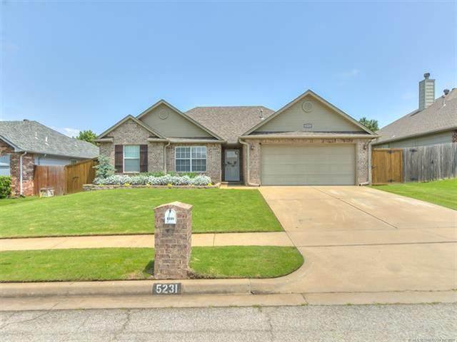 5231 Redbud Place, Sand Springs, OK 74063 (MLS #2118187) :: House Properties