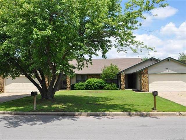 1907 E 66th Place, Tulsa, OK 74136 (MLS #2118260) :: 918HomeTeam - KW Realty Preferred