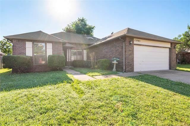 13765 S Oak Place, Glenpool, OK 74033 (MLS #2118278) :: Active Real Estate