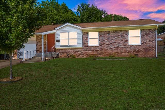 3419 S Walnut Creek Drive, Sand Springs, OK 74063 (MLS #2118345) :: 918HomeTeam - KW Realty Preferred