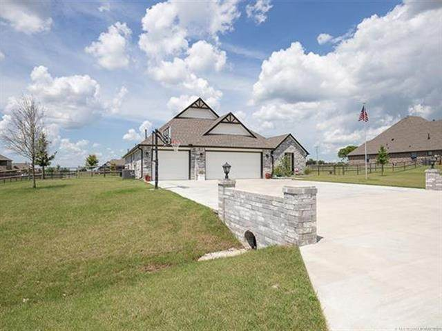 6417 E 127th Street North, Collinsville, OK 74021 (MLS #2118370) :: Hopper Group at RE/MAX Results