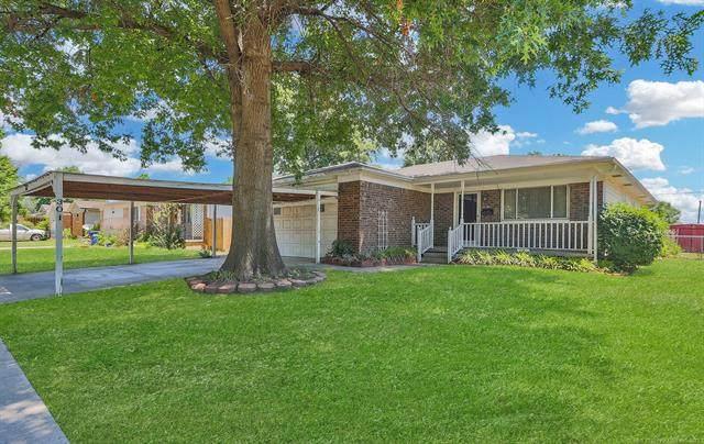 301 N Carlsbad Street, Owasso, OK 74055 (MLS #2118468) :: 918HomeTeam - KW Realty Preferred