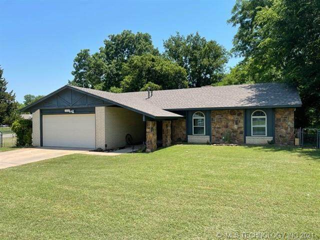 1709 Town And Country Drive, Sand Springs, OK 74063 (MLS #2119667) :: 580 Realty