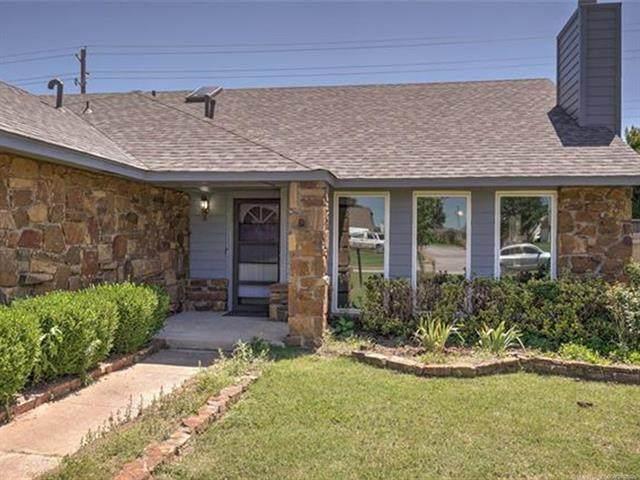 5315 S Spruce Drive, Sand Springs, OK 74063 (MLS #2119771) :: 580 Realty