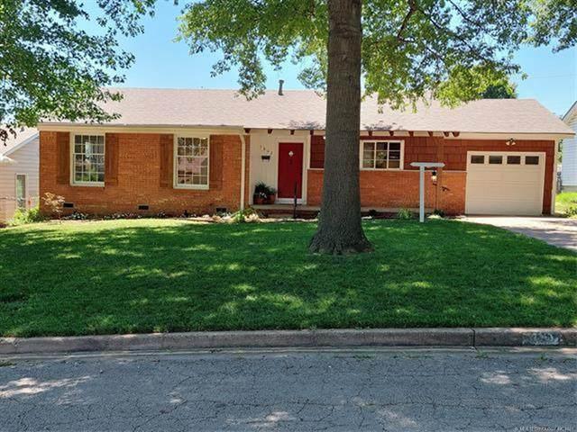 5862 E 22nd Street, Tulsa, OK 74114 (MLS #2120026) :: Active Real Estate