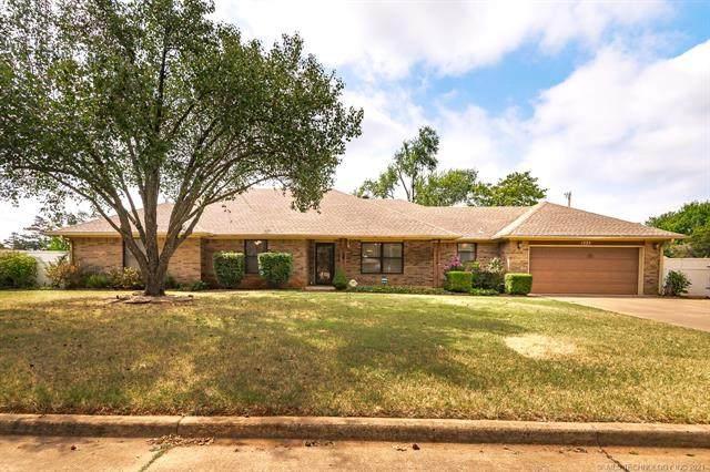 1225 E Cedar Drive, Stillwater, OK 74075 (MLS #2120243) :: Owasso Homes and Lifestyle