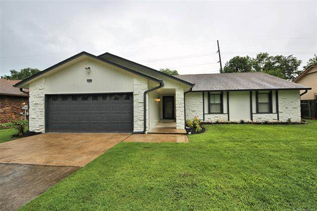 7726 S 72nd East Place, Tulsa, OK 74133 (MLS #2120401) :: 918HomeTeam - KW Realty Preferred