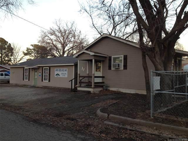 222 E Young Street, Morris, OK 74445 (MLS #2121320) :: 580 Realty