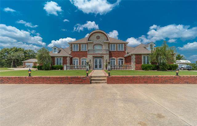19 Colonial Circle, Mcalester, OK 74501 (MLS #2123260) :: Owasso Homes and Lifestyle