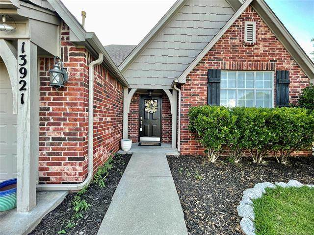 13921 E 89th Place N, Owasso, OK 74055 (MLS #2123392) :: Hopper Group at RE/MAX Results