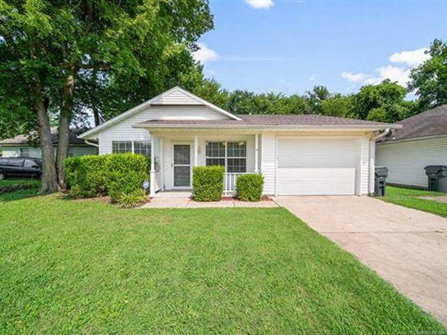604 S Florence Avenue, Claremore, OK 74017 (MLS #2123639) :: 918HomeTeam - KW Realty Preferred