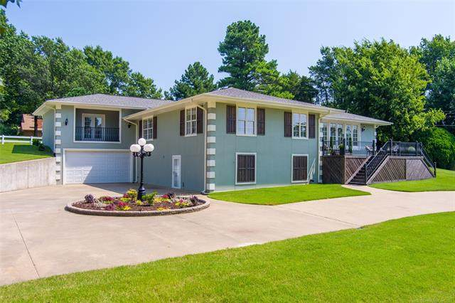 3700 Gibson Street, Muskogee, OK 74403 (MLS #2124000) :: Owasso Homes and Lifestyle