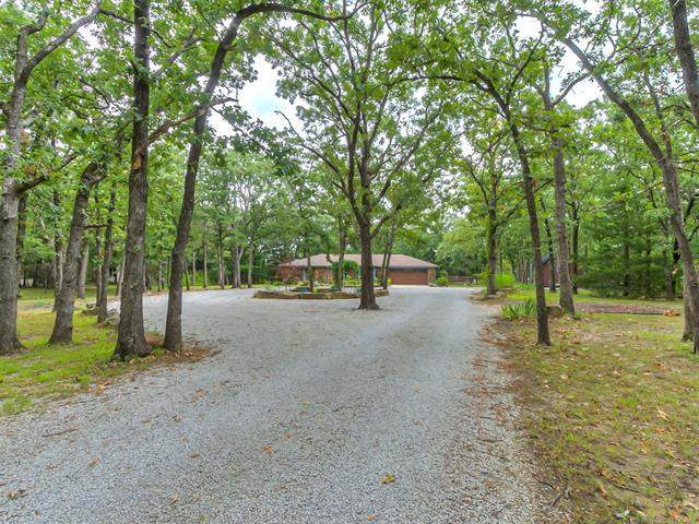 3612 E Mountain Road, Bartlesville, OK 74003 (MLS #2125670) :: Owasso Homes and Lifestyle