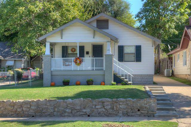 1211 S Zunis Avenue, Tulsa, OK 74104 (MLS #2126323) :: Hopper Group at RE/MAX Results