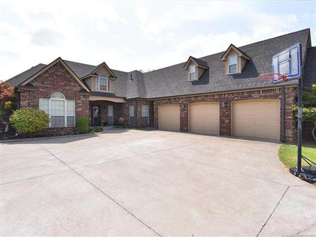 12287 N 162nd East Avenue, Collinsville, OK 74021 (MLS #2126473) :: Owasso Homes and Lifestyle