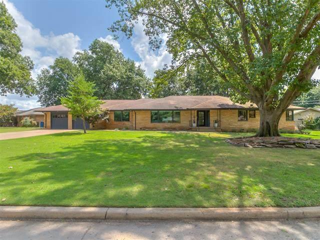 2824 E 32nd Street, Tulsa, OK 74105 (MLS #2127089) :: Owasso Homes and Lifestyle