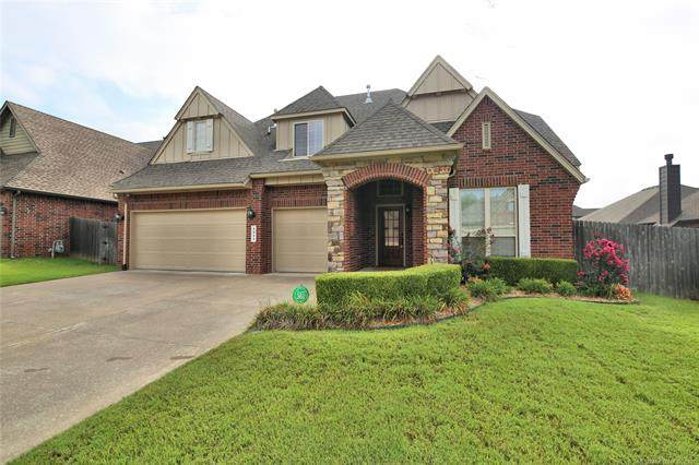 1411 S Aster Place, Broken Arrow, OK 74012 (MLS #2127667) :: Owasso Homes and Lifestyle