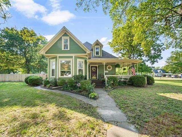 901 Vine Street, Chelsea, OK 74016 (MLS #2127689) :: Owasso Homes and Lifestyle
