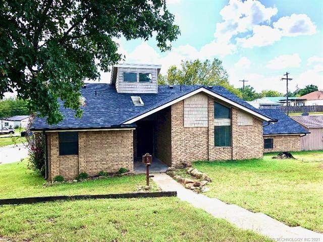 608 W Oak Street, Drumright, OK 74030 (MLS #2129388) :: Active Real Estate