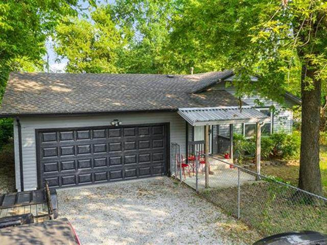 424 S Florence Avenue, Claremore, OK 74017 (MLS #2129660) :: Hopper Group at RE/MAX Results