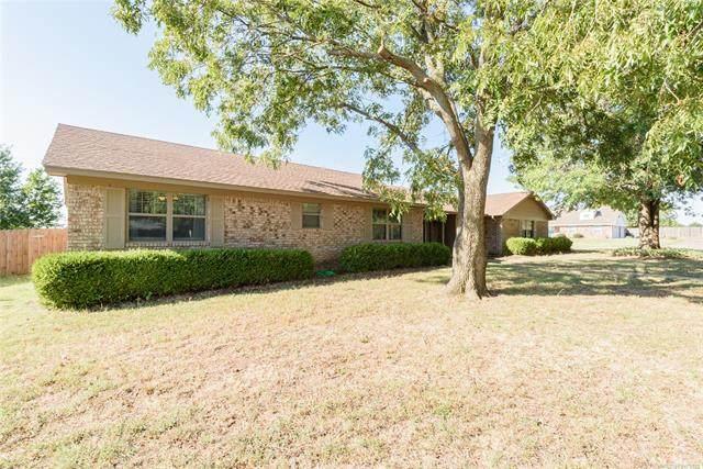 1001 E 12th, Cushing, OK 74023 (MLS #2131677) :: Active Real Estate