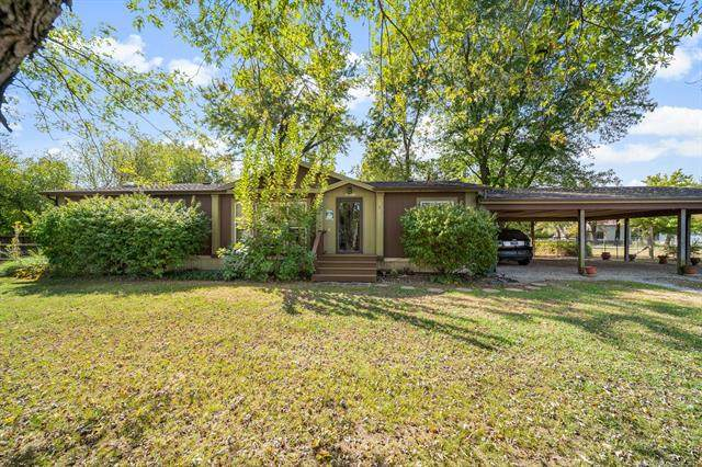 202 E Duncan Road, Haskell, OK 74436 (MLS #2132368) :: 918HomeTeam - KW Realty Preferred