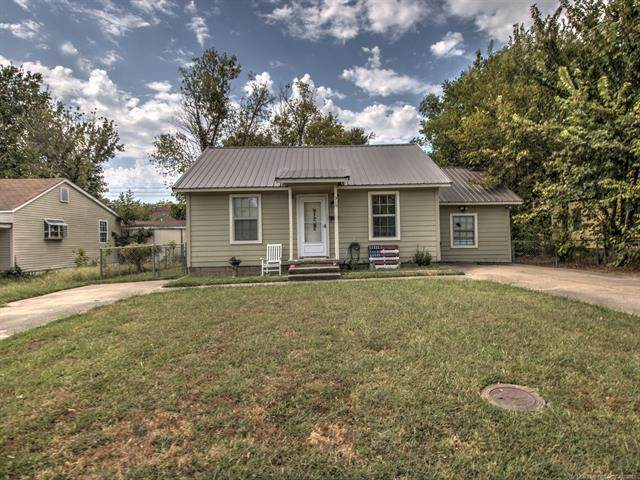 310 N Sawyer Street, Pryor, OK 74361 (MLS #2132519) :: Owasso Homes and Lifestyle