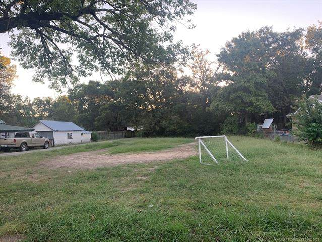 801 N Jefferson Avenue, Wagoner, OK 74467 (MLS #2132743) :: Hopper Group at RE/MAX Results