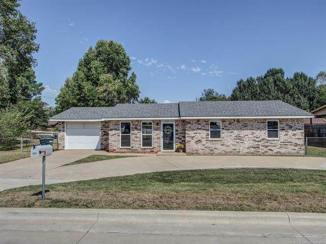 509 W 4th Street, Tahlequah, OK 74464 (MLS #2133047) :: Hopper Group at RE/MAX Results