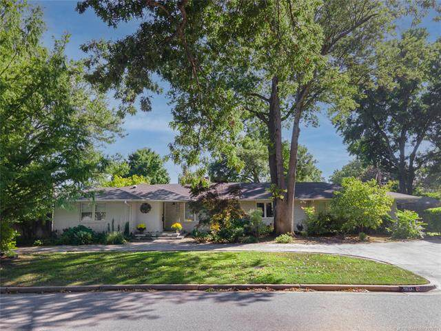 2834 E 27th Place, Tulsa, OK 74114 (MLS #2133534) :: Hopper Group at RE/MAX Results