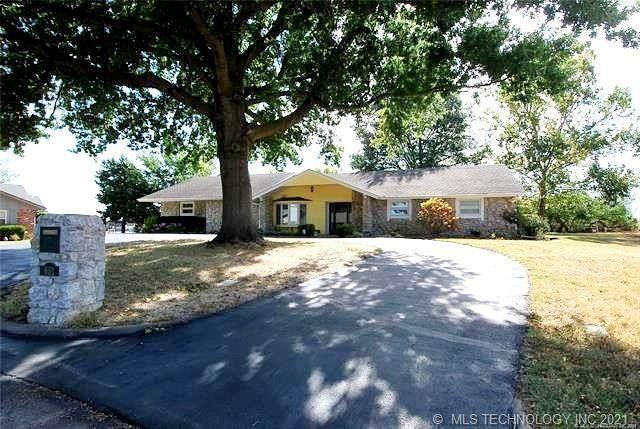 651 Kenwood Court, Bartlesville, OK 74006 (MLS #2133749) :: 918HomeTeam - KW Realty Preferred