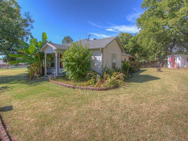 321 S East Street, Fort Gibson, OK 74434 (MLS #2134786) :: Hopper Group at RE/MAX Results