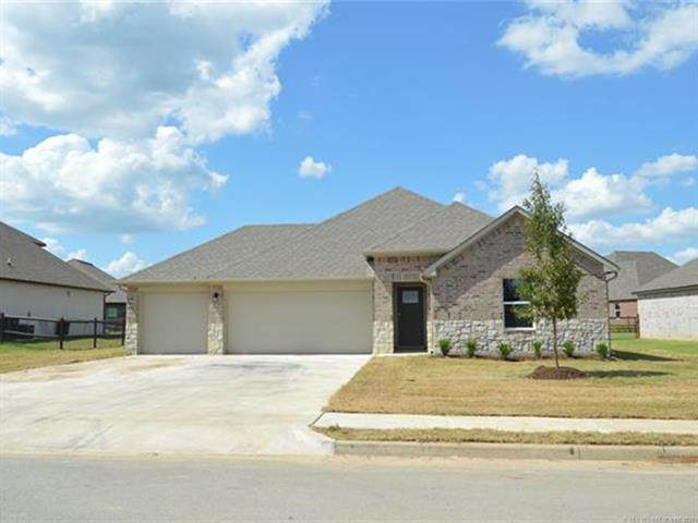 28165 E 112th Place S, Coweta, OK 74429 (MLS #2135920) :: Hopper Group at RE/MAX Results