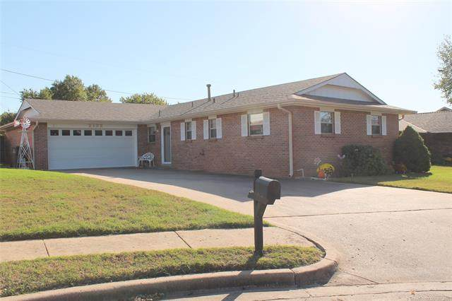 2132 Jefferson Road, Bartlesville, OK 74006 (MLS #2136606) :: Hopper Group at RE/MAX Results