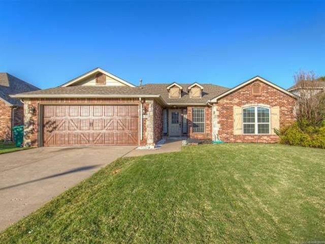 5318 S Redbud Drive, Sand Springs, OK 74063 (MLS #2136614) :: 918HomeTeam - KW Realty Preferred