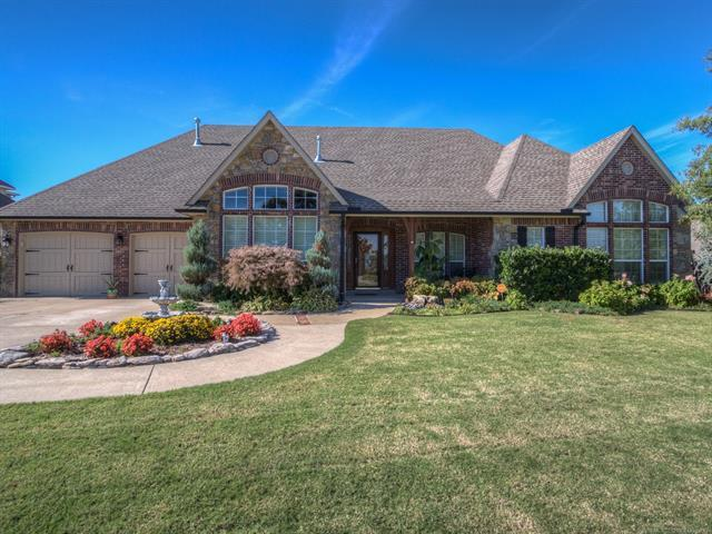 1406 N Old North Road, Sand Springs, OK 74063 (MLS #1801778) :: Brian Frere Home Team
