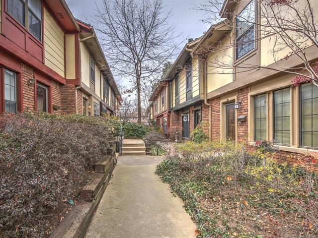 205 W 17th Street 205D, Tulsa, OK 74119 (MLS #1805532) :: The Boone Hupp Group at Keller Williams Realty Preferred