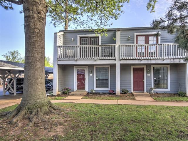 1037 E 57th Place #1, Tulsa, OK 74105 (MLS #1814609) :: Hopper Group at RE/MAX Results