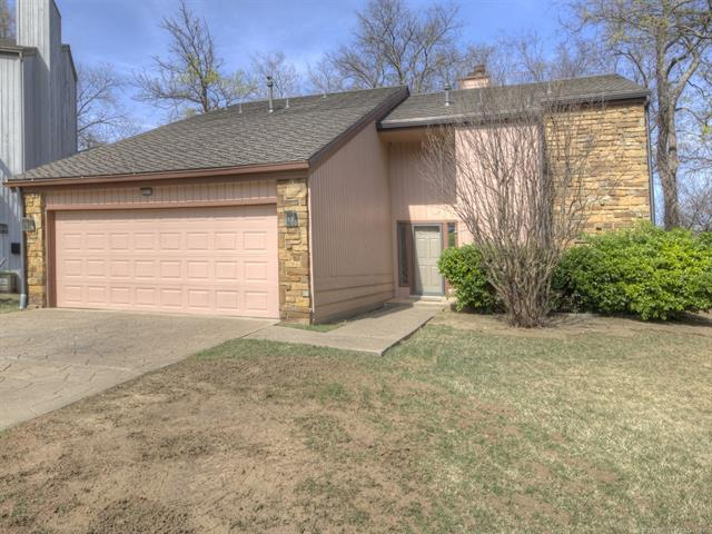 3319 E 68th Street #13, Tulsa, OK 74136 (MLS #1814686) :: Brian Frere Home Team