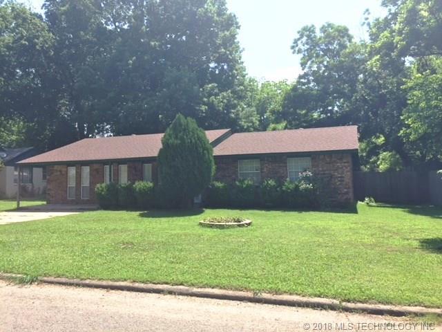 205 N Vann Street, Pryor, OK 74361 (MLS #1817690) :: Hopper Group at RE/MAX Results