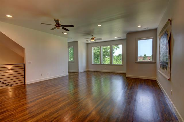 1125 E 7th Street #1125, Tulsa, OK 74120 (MLS #1818138) :: Hopper Group at RE/MAX Results
